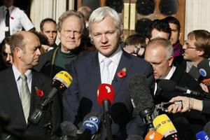 Ecuador Grants Wikileaks' Julian Assange Political Asylum