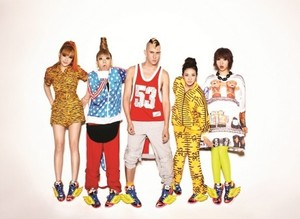 Designer Jeremy Scott shows his support for 2NE1