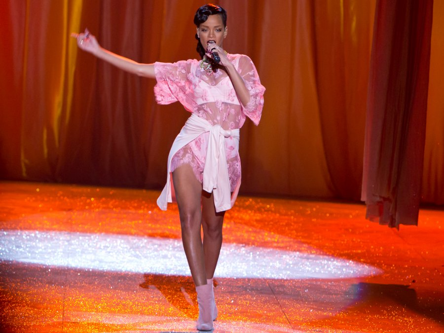 Rihanna Victoria's Secret Costume Made In Two Hours