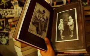 A Novel Written Based on Real Creepy Vintage Photos