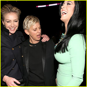 [FULL STORY] Grammys 2013: Whatcha' looking at, Ellen?