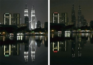 Photos of Landmarks Around The World During Earth Hour 2013