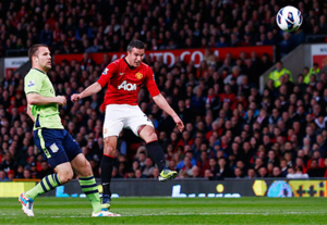 Man Utd's Epic Win: Van Persie, A Fake Hand, And Happy Ferguson