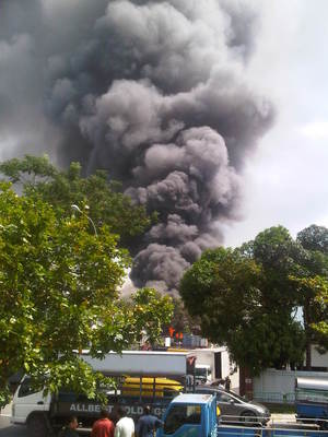 [NEW UPDATE] Fire at Jurong Warehouse: Two Firefighters Injured